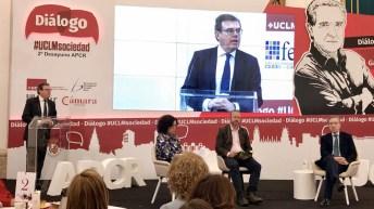 """Iñaki Gabilondo ha protagonizado el primer """"Diálogo #UCLMsociedad"""" © Gabinete de Comunicación UCLM"""