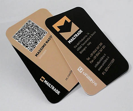 Ucreative 10 ways to use qr codes in business card design mailtrade business card reheart Images