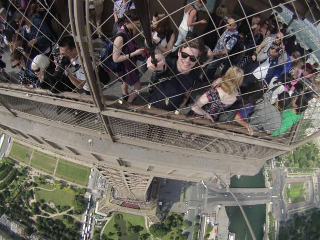 GoPro-Eiffel-Tower-Selfie