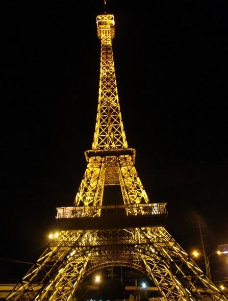 Bangunan Dunia yang Terinspirasi dari Menara Eiffel