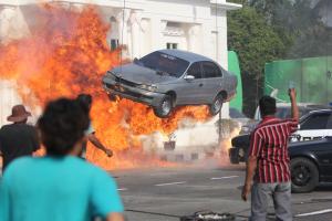 Adegan Ledakan Mobil Film Valentine