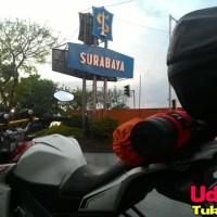 Tugu selamat datang kota Surabaya
