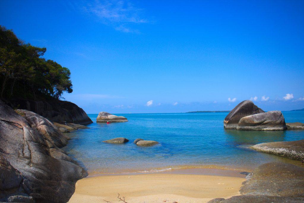 Pantai Awan Mendung di Belitung Selatan