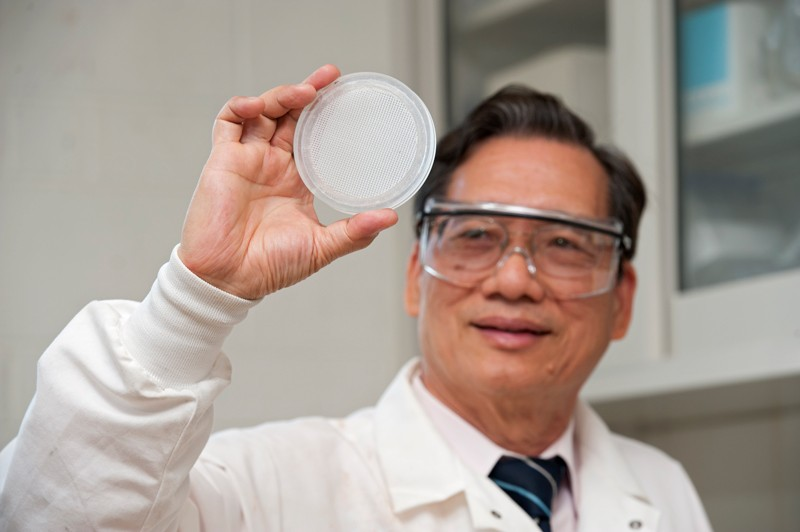 University of Delaware Professor Chin-Pao Huang and alumnus Po-Yen Wang (not pictured), now an assistant teaching professor at Widener University, have patented a novel membrane that can selectively filter perchlorate from drinking water, with the help of UD's Office of Economic Innovation and Partnerships.