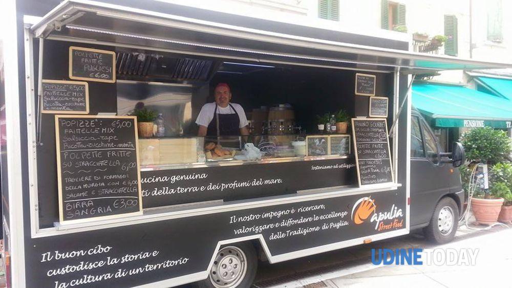 Streeat Food Truck Festival le immagini dei chioschi