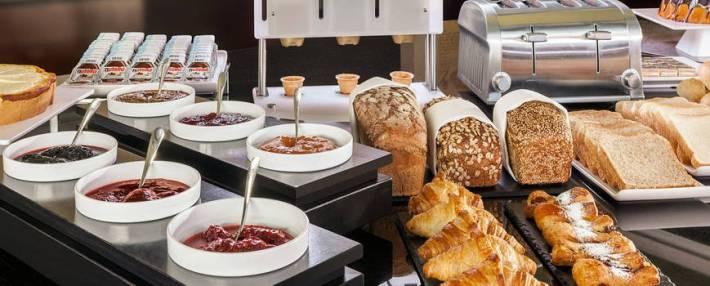 nh_berlin_mitte-272-buffet_breakfast