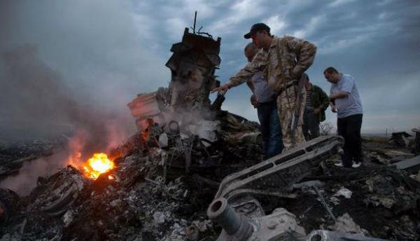 Glenn Thomas Cosa di esperto di Ebola e AIDS, hey Cosa è Stato un bordo MH17 QUANDO abbattuto con circa 100 Altri Ricercatori.