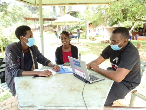 UCU journalism students have a discussion at the University Guild Park.
