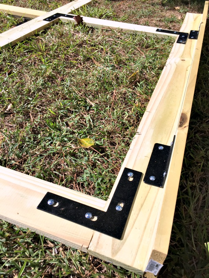 creating-the-frame-for-the-wood-screen