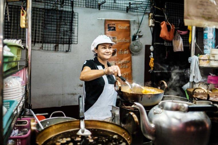 Street food vendor. Yaowarat Road, Chinatown, Bangkok