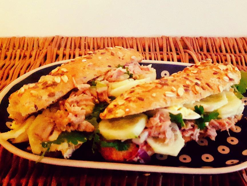 Nicejska kanapka z tuńczykiem