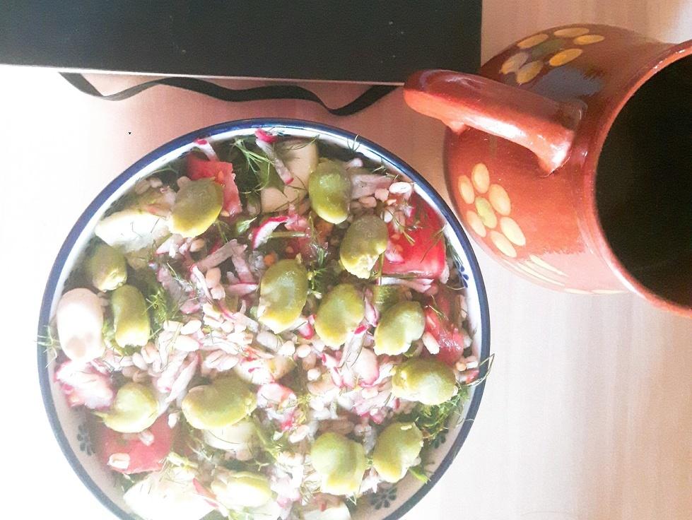 Sałatka z pęczaku i bobu
