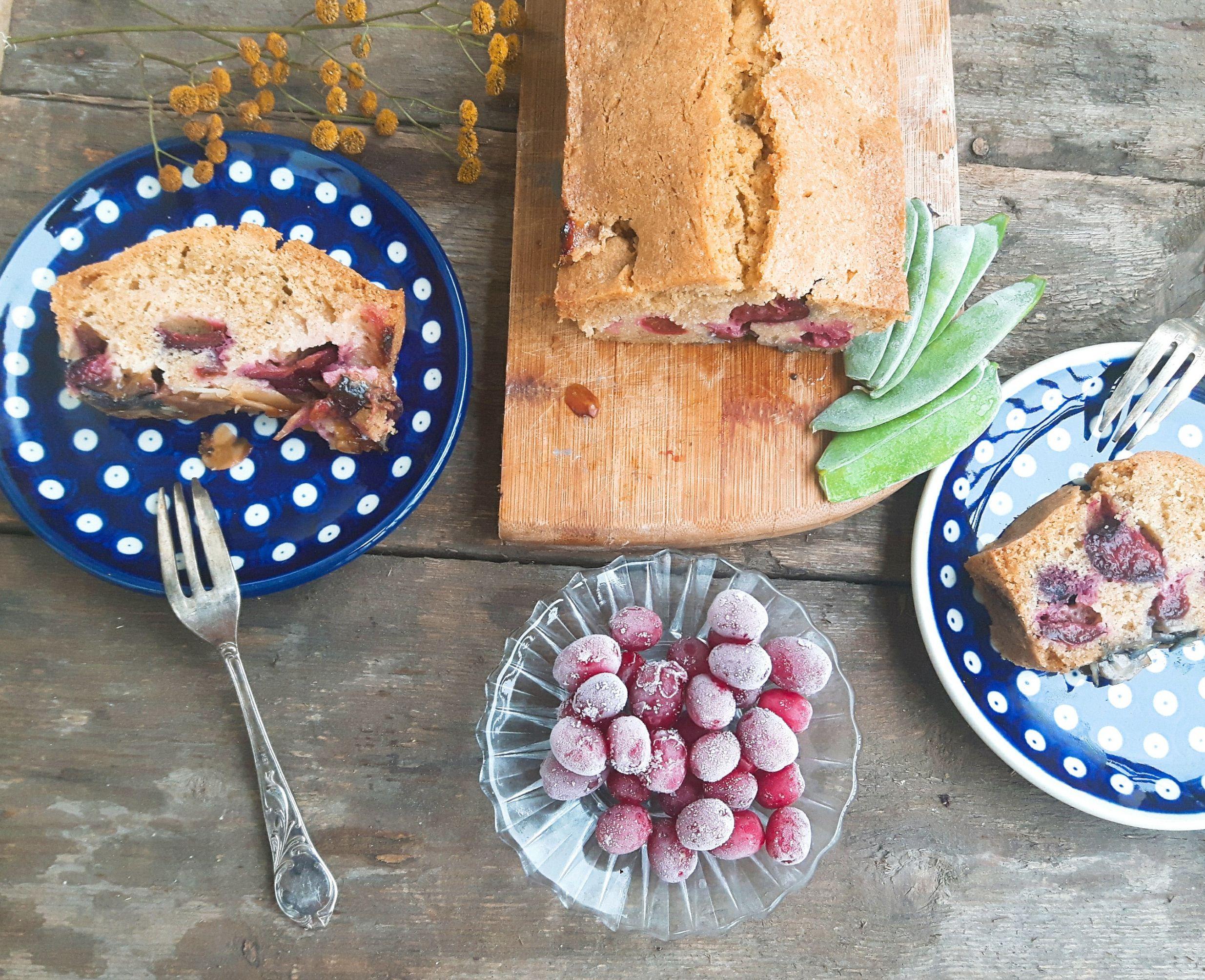 Ciasto ze śliwkami –  kukurydziane z migdałami