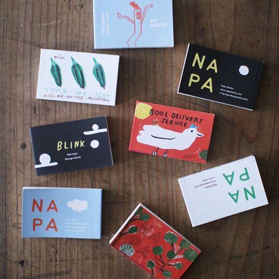 """フィンランド、ヘルシンキのNAPA Books @napabooks より、パラパラマンガ """"flipbooks""""が届いています。Flipbooks by @napabooks arrived from Helsinki :) 毎年コンペにより作品を募集し、選ばれた作品がラインナップに加わるスタイルで長年にわたり製作されてきた数々の作品より、ここ数年の4タイトルが入荷しました。 @mogutakahashi さんのチャーミングな作品もありますよ!以前ヘルシンキ市内にあったNAPA Booksの店舗へは、いつか行ってみたい!とずっと思っていました。今年ようやくヘルシンキへ行く夢が叶ったものの、すでに店舗はなくなっていて訪れることはできませんでしたが、ずっとすてきな活動を続けていらっしゃるオーナーでアーティストの @jennirope さん、NAPA Booksのflipbooks を短い間にはなりますが当店でお取り扱いすることができとても嬉しいです。ぜひ、店頭でお手にとってご覧くださいませ。These will be available in store and online @uguisu_store for international orders︎"""