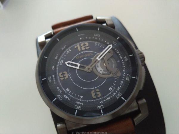 DieselOn : Hybrid Smartwatch
