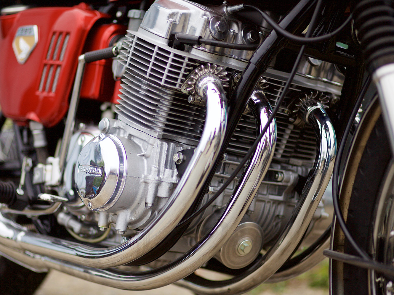 hight resolution of the finished engine with the round oil filter cover