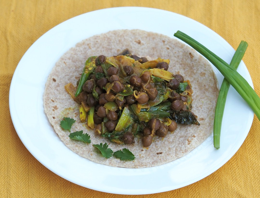 Sprouted Black channa with roti
