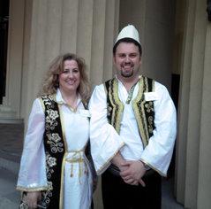 Bedrije Hetaj dhe Fisnik Panxha në Buckingham Palace, 2008