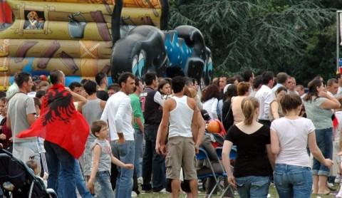 Pamje nga dita e veres shqiptare me 6 qershor 2006