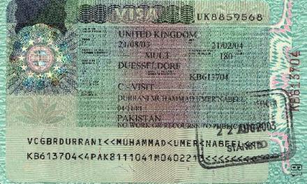 <!--:sq-->Diplomati britanik në Tiranë i përfshirë në skandalin e vizave<!--:-->