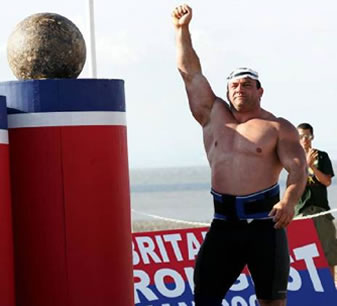 <!--:en-->Njeriu më i fortë i Britanisë, Jimmy Marku, gjykohet për furnizim me drogë<!--:-->