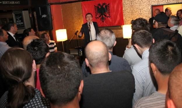 Albin Kurti duke biseduar shqiptaret e Britanise, Londer, 2 korrik 2011