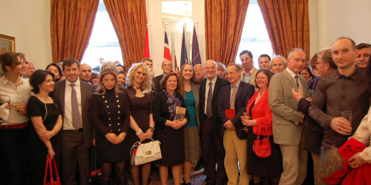 <!--:en-->New book about Albania launched at the Albanian Embassy in London<!--:--><!--:sq-->Libër i ri rreth Shqipërisë promovohet në Ambasadën Shqiptare në Londër<!--:-->