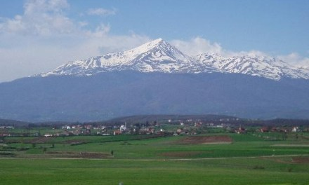 <!--:en-->8-day group tour visits to Kosovo for £1,295 including flights<!--:-->