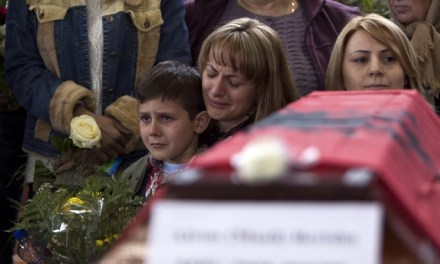 <!--:en-->We might forgive but not forget; 46 Kosovo Albanians massacred by the Serbs in 1999 are reburied<!--:-->