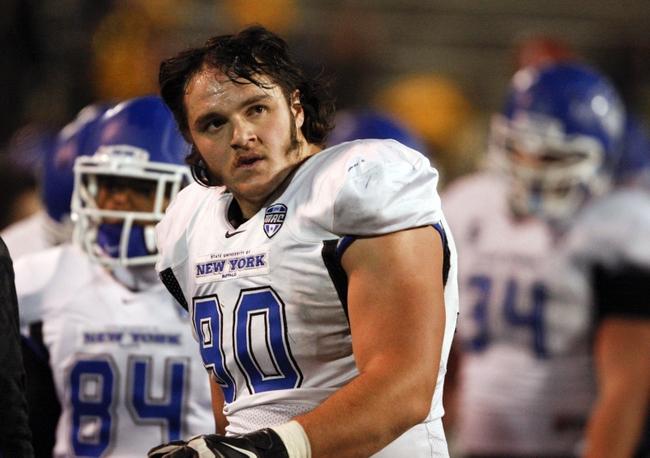 <!--:en-->NFL: American-Albanian Kristjan Sokoli selected for Seattle Seahawks<!--:-->