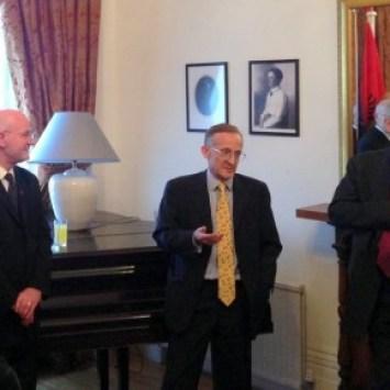 Sir Noel Malcolm-i duke folur dje në Ambasadën Shqiptare në Londër, rreth librit të  tij të  ri, Agents Of Empire.