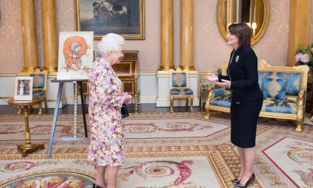 Presidentja e Kosovës, Atifete Jahjaga, u takua sot me mbretëreshën britanike, Elizabeta II në Londër