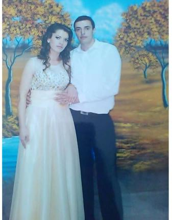 Foto nga fejesa e Elidonës me Arben Rexhën (Lulzim Qeleposhin)