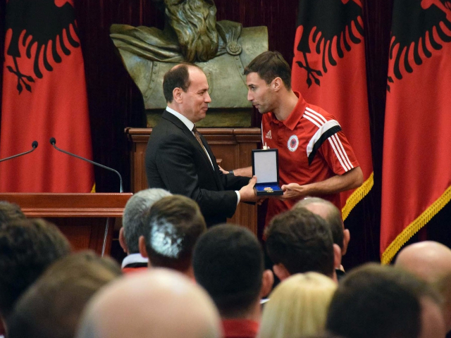 "Albanian President, Bujar Nishani awarding the national team captain, Lorik Cana with ""Honor of the nation"" medal 