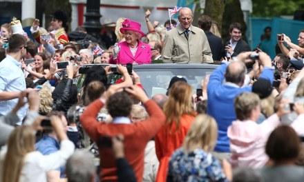 Mbretëresha Elizabetë festoi sot ditëlindjen e 90-të