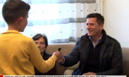 Bamirësi nga diaspora: Dhurohet banesë për familjen e veteranit të luftës, Gazmend Zekës (Video)