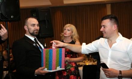 Thealbanian.co.uk: Shqiptarët e Britanisë mbledhin rreth 10,000 euro për skamnorët e Kosovës (Foto)