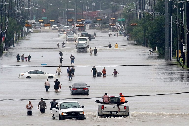 Hurricane Harvey: Twenty Albanian families in Houston left homeless