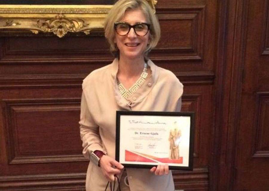 Koha.net: Onkologia nga Kosova shpërblehet me çmimin prestigjioz në Angli