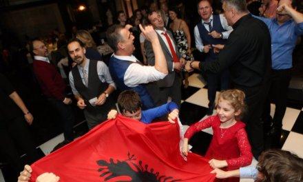 """""""Basketistat"""" ndihmojnë përsëri familje të varfra në Kosovë"""