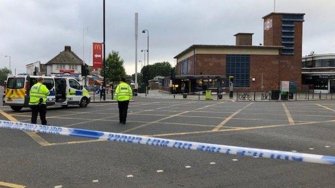 Policia u thirrën në Green Lanes, afër stacionit Turnpike Lane, parmbrëmë, pak pas orës 21:45.