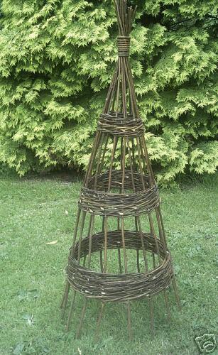 UK Garden Supplies 14m Natural Willow Obelisk