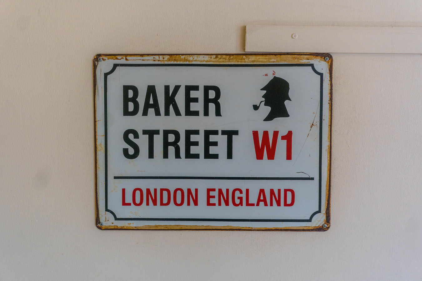 London Hostel Baker Street Wallpaper
