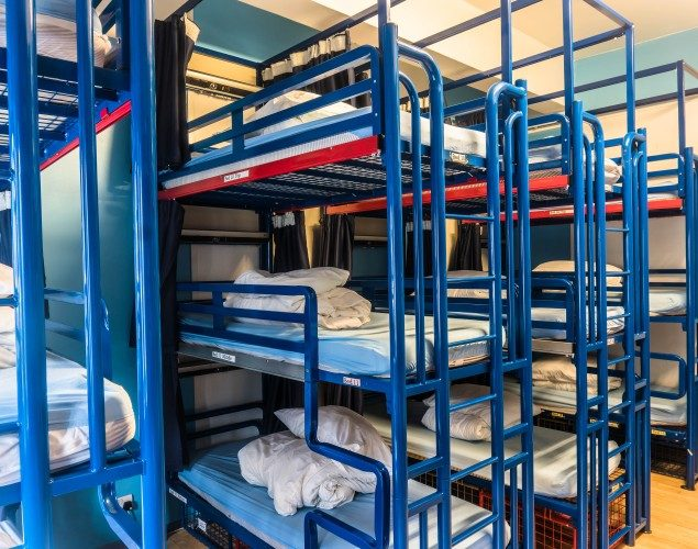 21 Bed Mixed Dorm Bunk Bed