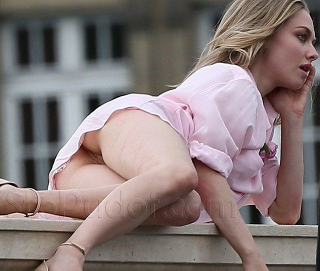 Amanda Seyfried Naked Butt Ukphotosafari