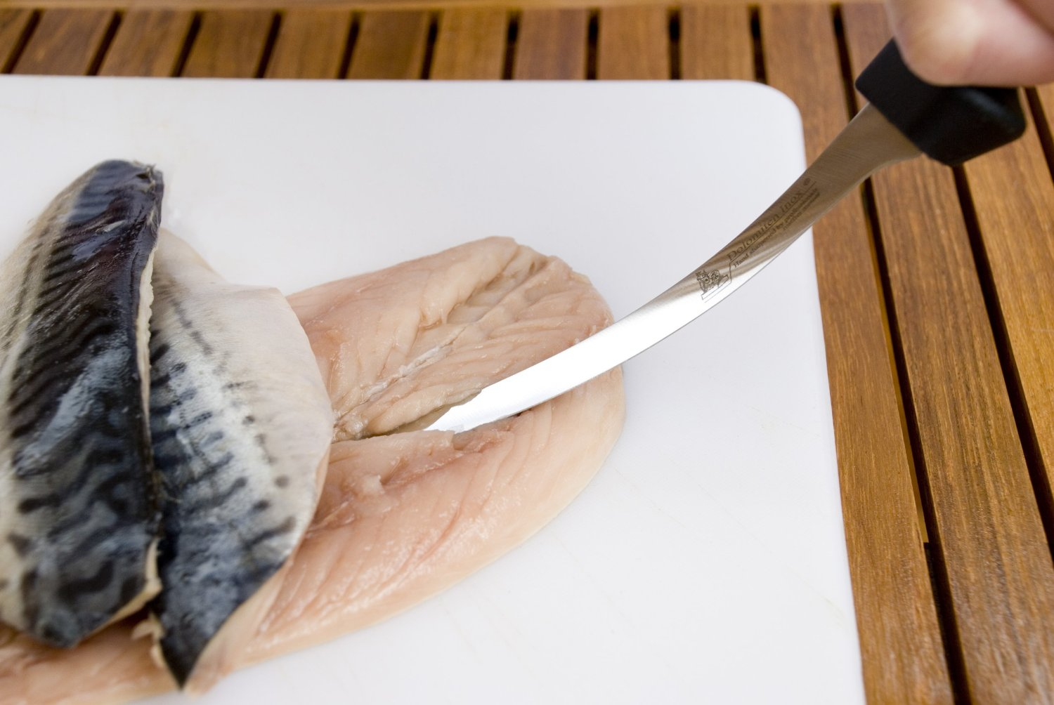Best fish filleting knife for survival for Fish cleaning knife