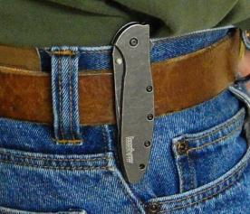 pocket folding lock knife on belt clip