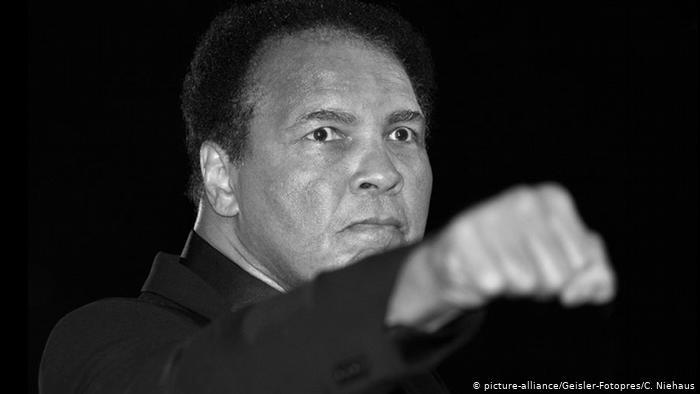 اسطورة الملاكمة محمد علي كلاي