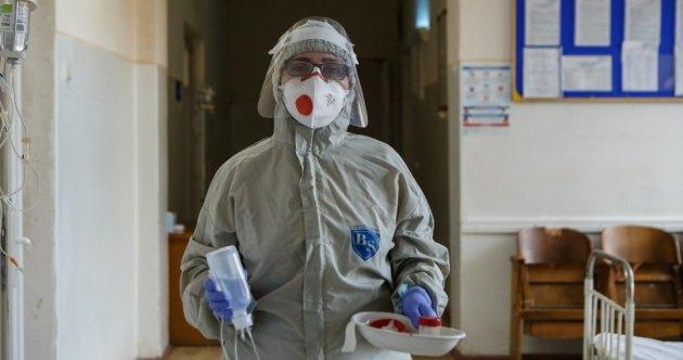 اطباء لفيف يكشفون النقاب عن اثار جانبية جديدة لكورونا