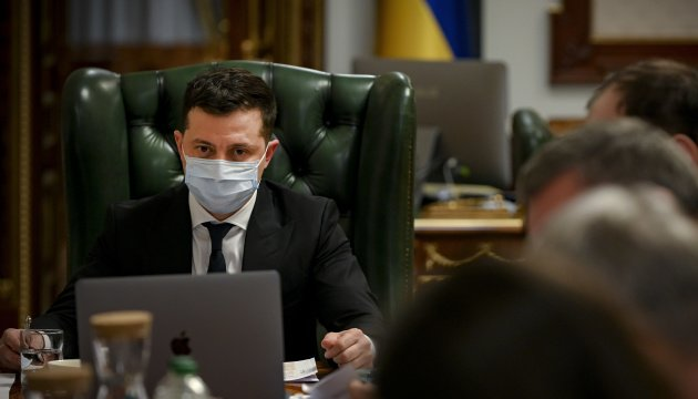 زيلينسكي... اكتسبت البشرية خبرات هائلة خلال عام الوباء